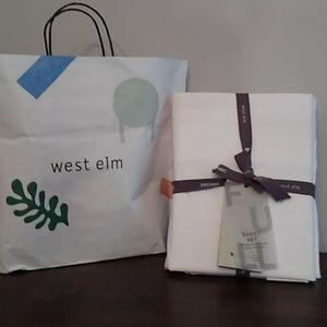West Elm full size sheet set.